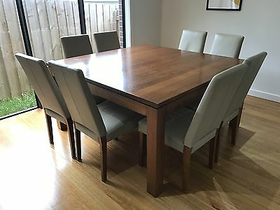 Square dining table Solid Oak Wood