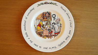Royal Doulton Winnie the Pooh - Nearly 11 o'clock plate - in excellent condition