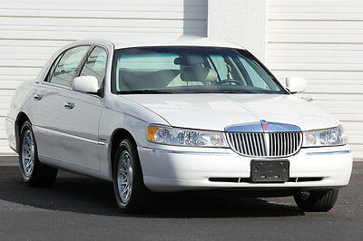 1999 Lincoln Town Car Signature 1999 Lincoln Town Car 73,793 Miles