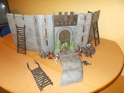 Lord Of The Rings Helms Deep Castle