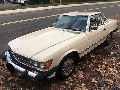 1988 Mercedes-Benz 500-Series Base Convertible 2-Door 1988 Mercedes-Benz 560SL Convertible 55K Orignal Miles CLEAN CAR In and Out