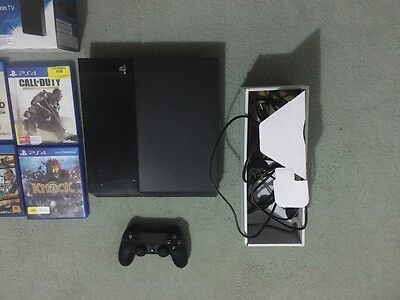 PlayStation 4 Black 500 GB Console +8 games and Playstation TV
