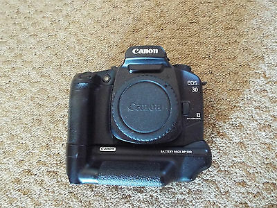 CANON EOS 30 with canon battery pack BP-300 Film camera