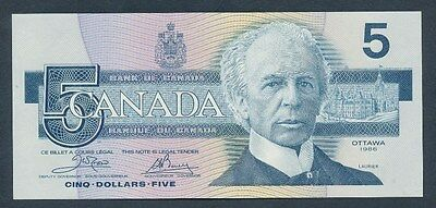 Canada: 1986 $5 Sig. Crow-Bouey.  Pick 95b, UNC Cat $37