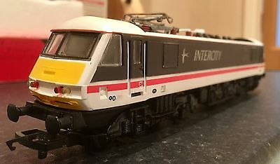 Hornby R242 Class 90 Electric Loco. Good Condition & DCC Ready