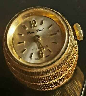 Vintage Watch pendant / 17 Jewel / Swiss Made / Clean Condition