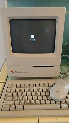 Vintage Apple Macintosh Classic M1420 Computer, Keyboard, Mouse Tested Powers On