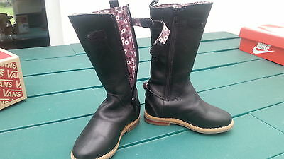 Toddler girl leather black boots - Excellent condition  Size 26