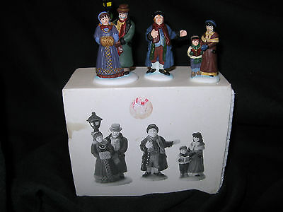 Dept 56 Dickens Village ~ Town Square Carolers ~ 58327 ~ Set of 3