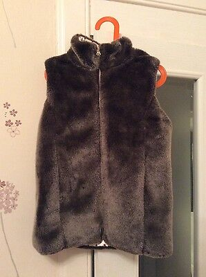 John Lewis Faux Fur Girls Body warmer / Gilet Age 10 Immaculate!! Cost £30 new!!