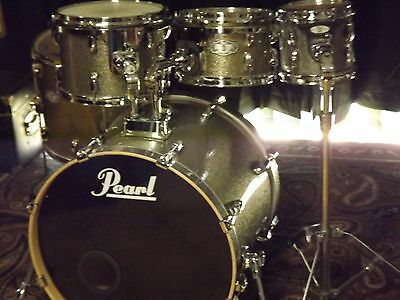 Pearl Birch Drum Set As New Condition.