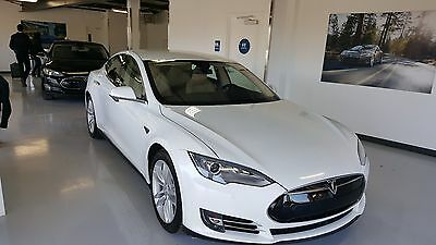 2015 Tesla Model S 70D Tesla Model S 70D AutoPilot Lots of Premium Upgrades