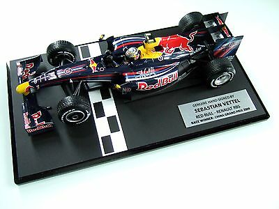 Sebastian Vettel Signed 1/18 First Red Bull Win Rb5 China 2009 Coa Display Case