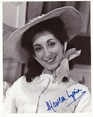 Maureen Lipman Early Hand Signed 10 X 8 Photograph