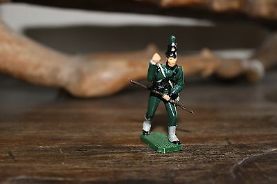 "95th REGIMENT OF FOOT RIFLEMAN - ""SHARPE'S RIFLES"" TOY SOLDIER FIGURE"