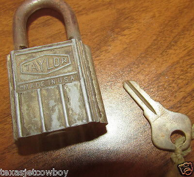 Vintage TAYLOR Made in the USA Padlock with Key working condition  Taylor Co.