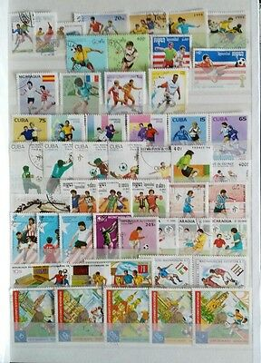 50 francobolli diff tema CALCIO lotto 2 - 50 SOCCER on stamps as picture
