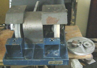 "Cabmaster Lapidary Grinder/Polisher 111/2"" x 11"" x 7 1/2""  with Attachments"