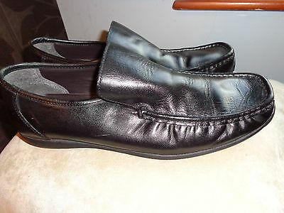 Clarks Mens Black Leather Moccasin Style Slip On Shoes Size Uk 11