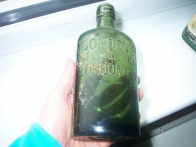 Vintage Gordon's London Gin Boottle