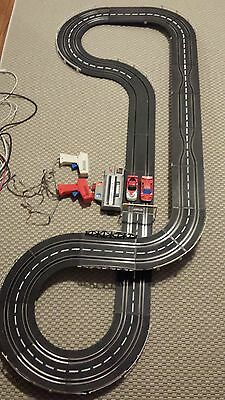Vintage 1980s speedtrax Artin Pro Track1000 Pace Car deluxe 1/43 slot car set