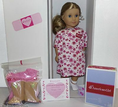 "American Girl Doll Elizabeth Cole,18"" Doll with 3 Outfits"