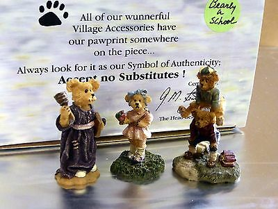Boyds Bears & Friends. Bearstone Collection. Bearly A School. 3 figures. #19504-