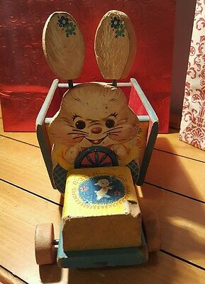 1950's VINTAGE FISHER PRICE BIZZY BUNNY WOOD PULL CART WORKS
