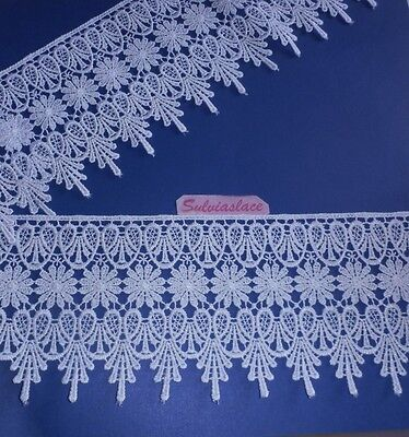 2  metres  of  Stunning  White  Guipure  Lace  11.50    mm   Wide