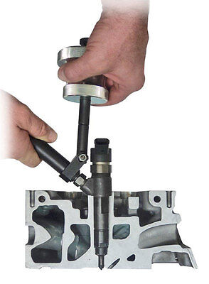 BOSCH DENSO SIEMENS injector puller    No need to remove top of injector 2 ways