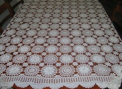 Vintage Crocheted Lace Tablecloth/bedcover ~ Cotton ~ White ~ Oblong