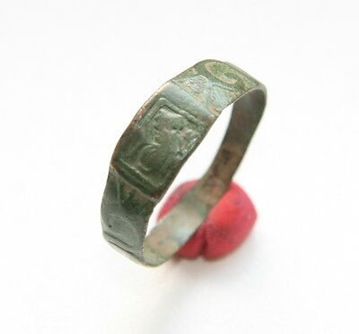 Antique Bronze Ornament Finger Ring With Image (NOW03)