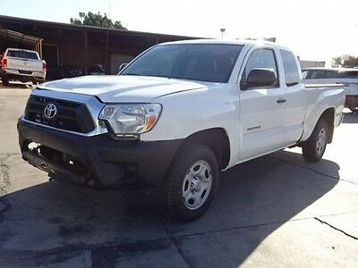 2015 Toyota Tacoma Access Cab Pickup 4-Door 2015 Toyota Tacoma Access Cab Damaged Repairable Perfect Project Priced to Sell!
