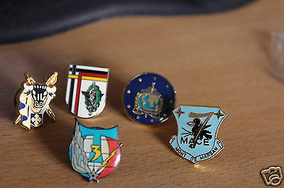 5  FRENCH Militaria/AIRBORNE/Army pin BADGEs
