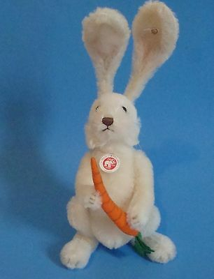 Steiff Musical Bunny LE year 2007 named Fritzle limited to 2007 pieces white