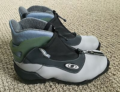 Womens Salomon Cross Country Ski Boots Size 7 NEW WITHOUT BOX