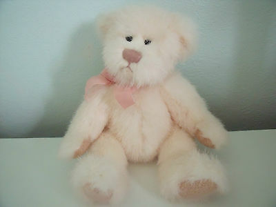 """Russ Berrie """"sabrina"""" Lovely Cream/peach Plush With Matching Bow"""