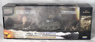Forces of ValorU. S. M4A1 Sherman with soldiers Tank Battle Extreme Series