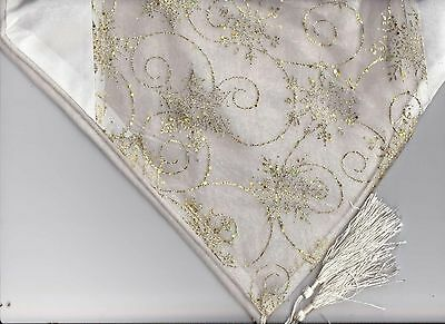 Gold & Cream Star Table Runner, Perfect for Christmas