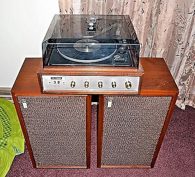 The Fisher Model 85 Stereo/turntable/xp7 Speakers!  1 Owner Wpapers Very Nice