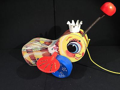 Vintage Fisher Price Queen Buzzy Bee Pull Toy USA NICE Rare