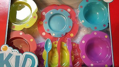 Play Dish Set, Kid Connection Plastic Plates Bowls Spoons Forks Knives 21 Pc New