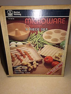 Vtg Anchor Hocking Microwave Cookware Microware 4 Pc NIB Bacon Rack Muffin Bundt