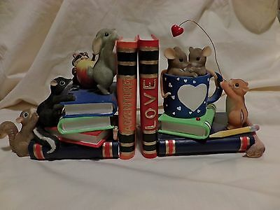 Charming Tails FRIENDS CAN BE FOUND BETWEEN ADVENTURE BOOKENDS 97135 GRIFF(38)