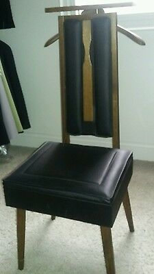 SETWELL wooden BUTLER VALET CHAIR W/ SEAT STORAGE & tray brush & hanger old