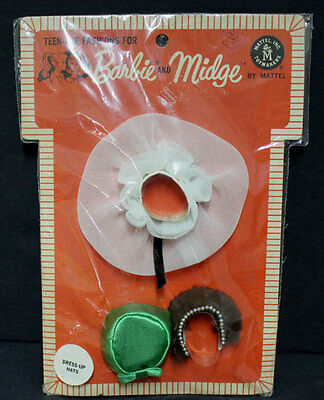 Vintage Barbie Dress-Up Hats Pak Mint on card with booklet & sticker 1963