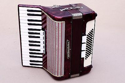 Very Nice German Accordion Weltmeister 60 bass Including Case