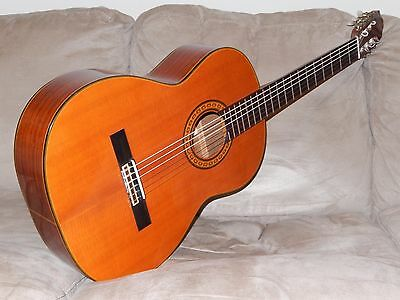 Hand Made In Japan 1971 Kawai G200 Absolutely Amazing Vintage Classical Guitar