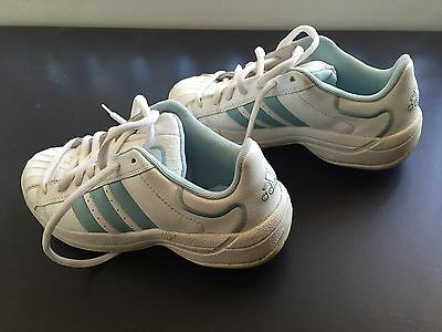 ADIDAS Golf Shoes - High Grip Spiked Sole. Women size US 7 UK 5.5 *near new