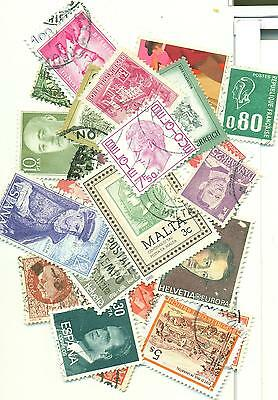 Lot: 300 Timbres occasion Europe (différent)